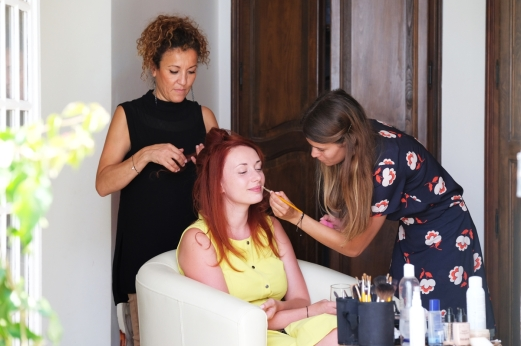Mariage d'Irina aux Pins Penchés à Toulon. Backstage Coiffure & Maquillage sophistiqué glamour bronze. Wedding Photographer : Gilles Perbal www.paca-mariages.com